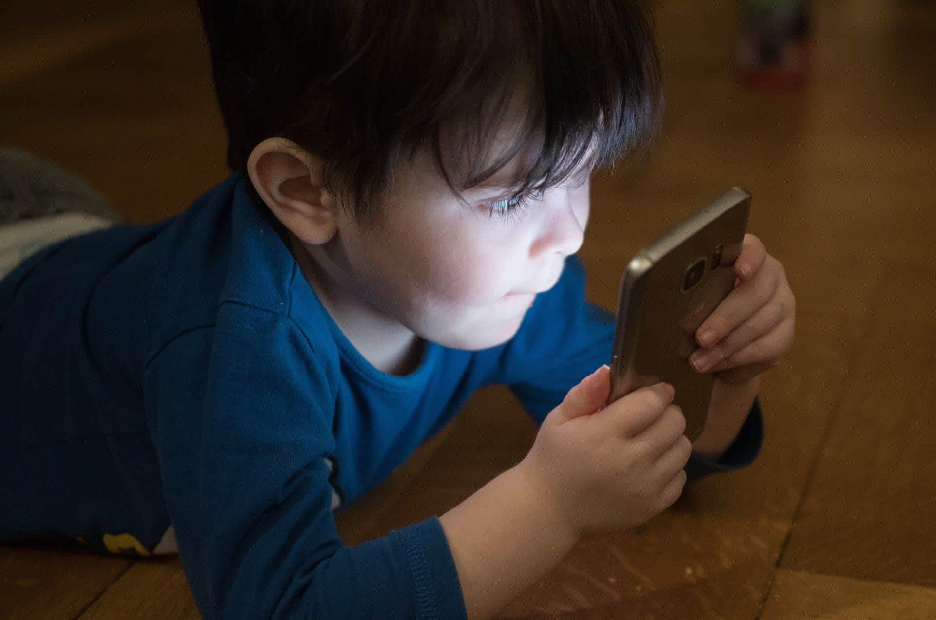 كيفية حماية صور أطفالك على الإنترنت